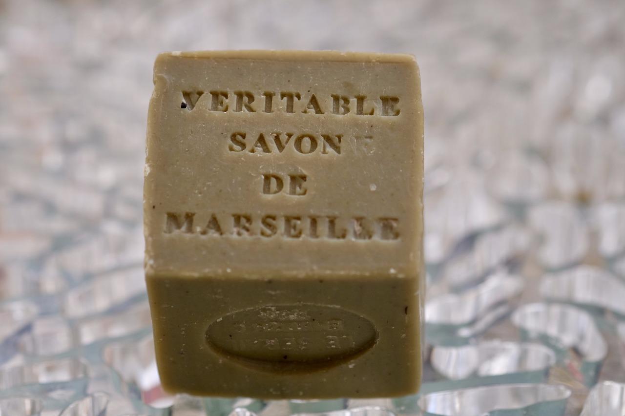 savon de marseille cube vert huile d 39 olive 150gr le serail. Black Bedroom Furniture Sets. Home Design Ideas